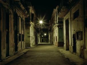 Straat met oude huizen, Cuba, 2001