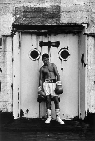 Jongeman in boksersshort,   Rotterdam, Nederland, 1998