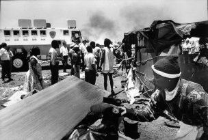 Sloop van squatterskamp ten zuidwesten van Soweto, 1992-1993