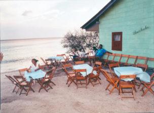 Zomerhuis aan zee, Vaerssenbaai, Curaçao, 1998