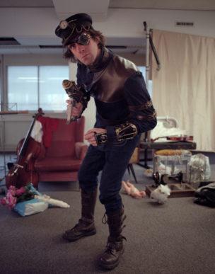 John in de rol van Hadrian 'Black' Robberts (piraat), Zwolle, Nederland, 2013