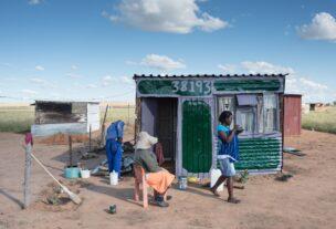 Shack number 38.193, het kleurlingen township van Welkom, Zuid-Afrika, 2017
